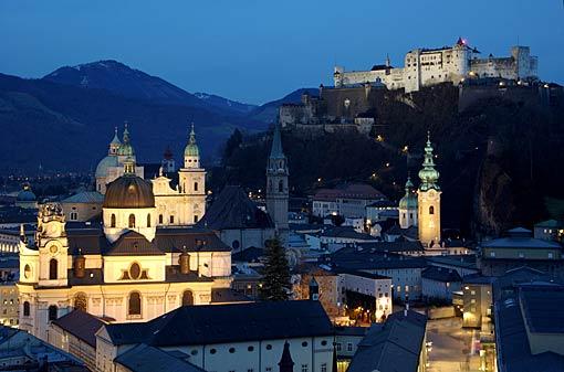 Salzburg Altstadt mit Festung Hohensalzburg